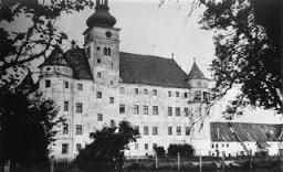 """""""安乐死""""屠杀中心哈特海姆堡,有生理或精神残疾的人们在这里被用毒气或注射"""