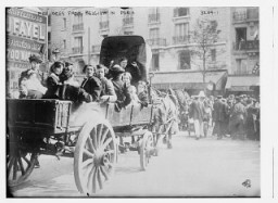 "<p>Belgian refugees in Paris during <a href=""/narrative/28"">World War I</a>, the first great international conflict of the twentieth century. Paris, France, 1914.</p>"