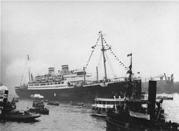 <p>The <em>St. Louis</em>, carrying more than 900 Jewish refugees, waits in the port of Hamburg. The Cuban government denied the passengers entry. Hamburg, Germany, 1939.</p>