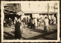 <p>Street scene in Morocco, Casablanca, 1941-42.</p>