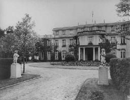 Sede de la Conferencia de Wannsee de enero de 1942, convocada por el jefe de la Oficina Principal de Seguridad del Reich Reinhard ...