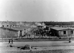 Ein Blick auf das Konzentrationslager Bergen-Belsen. Dieses Foto wurde nach der Befreiung des Lagers aufgenommen.