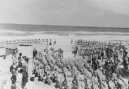 Membres de la Brigade juive, une unité entièrement composée de Juifs au sein de l'armée britannique, à Tel-Aviv.