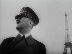 <p>في اليوم التالي على توقيع فرنسا لهدنة مع ألمانيا في يونيو 1940، احتفل أدولف هتلر بالانتصار الألماني على فرنسا بقيامه بجولة في باريس. يصل هنا قطار هتلر إلى باريس. تضمنت جولة هتلر دار الأوبرا بباريس وشارع الشانزليزيه وقوس النصر وبرج إيفل. غادر هتلر باريس بعد زيارة قبر نابليون وكاتدرائية القلب المقدس. قضى هتلر 3 ساعات بشكل عام في المدينة. وعاد هتلر منتصرًا إلى العاصمة الألمانية برلين في يوليو.</p>