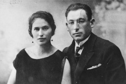 """<p>A prewar photograph of Basia and Moshe Golden (Gordon) taken ca. 1922–1925 in Swieciany, Poland (now Lithuania).</p> <p>Basia, along with two of their four children, <a href=""""/narrative/64091"""">Boruch</a> and Teyva, were shot at the Ponary killing site by SS men and their Lithuanian <a href=""""/narrative/6437"""">collaborators</a> in September 1943. Moshe died in the Klooga concentration camp. Two of their children survived, Niusia and Rwya.</p> <p>This photograph was saved by Niusia (now Anna Nodel) while she was in hiding.</p>"""