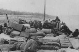 "<p>Scene during the deportation of Jews from Thrace to the <a href=""/narrative/3819/en"">Treblinka</a> killing center. Lom, Bulgaria, March 1943.</p>"