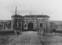 "<p>Entrance to the <a href=""/narrative/5377/en"">Breendonk</a> internment camp. Breendonk, Belgium, 1940-1944.</p>"