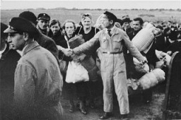 "<p>Arrival of a transport at the <a href=""/narrative/4469"">Westerbork</a> camp. Westerbork, the Netherlands, October 1942.</p>"