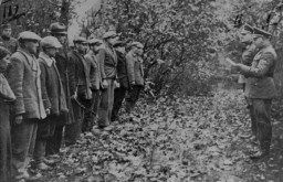 Group of Polish civilians before execution