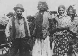 Alcuni Rom (Zingari) vicino a Uzhgorod, in Slovacchia.