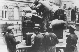 "<p>Belongings of Jews who were deported from <a href=""/narrative/6000/en"">Vienna</a>. Austria, 1941–42.</p>"