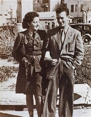 "<p>Jewish <a href=""/narrative/5666/en"">parachutist</a> Hannah Szenes with her brother, before leaving for a rescue mission. Palestine, March 1944.</p>