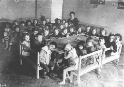 "<p>One of the many Jewish schools established by the Joint Distribution Committee in central and eastern Europe for children who had lost their parents during <a href=""/narrative/28/en"">World War I</a>. Rovno, Poland, after 1920.</p>"