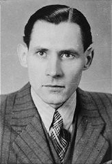 "<p>Karl-Heinz Kusserow, a <a href=""/narrative/5070/en"">Jehovah's witness</a> who was imprisoned by the Nazis because of his beliefs. He was a prisoner in the <a href=""/narrative/4391/en"">Dachau</a> and <a href=""/narrative/6810/en"">Sachsenhausen</a> concentration camps in Germany.</p>"