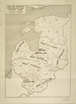 <p>This German map indicates the number and distribution of Jews living in the Baltic countries as of 1935. It served as a reference for the SS mobile killing squad assigned to carry out the mass murder of the Jews there.</p>