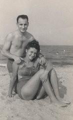 Lisa and Aron at Lake Michigan