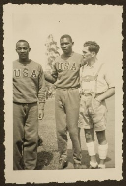 American athletes Jesse Owens and Dave Albritton