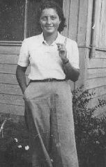 Еврейская парашютистка Ханна Сенеш в кибуце (сельскохозяйственной коммуне) Сдот-Ям.