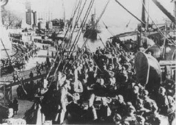 """<p>German troops disembarking from a troop transport during the German invasion of <a href=""""/narrative/6313"""">Norway</a>. May 3, 1940.</p>"""