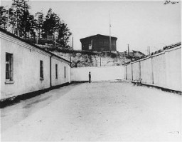 "<p>Execution site in the <a href=""/narrative/6783/en"">Flossenbürg</a> concentration camp, seen here after liberation of the camp by US armed forces. Flossenbürg, Germany, after May 1945.</p>"