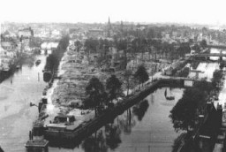 <p>View of Rotterdam after German bombing in May 1940. Rotterdam, the Netherlands, 1940.</p>