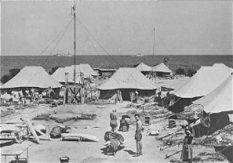 One of the tent camps used to detain Jewish displaced persons denied entry into Palestine by the British. [LCID: 36004]