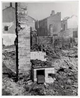 Ruins of buildings in Warsaw