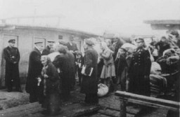 <p>Deportation of Jews by Bulgarian authorities. Lom, Bulgaria, March 1943.</p>