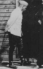 <p>فرانس شتانغل, قائد مركز القتل بتريبلنكا. يمسك شتانغل بسوط جياد.</p>