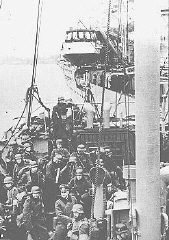 """<p>German troops arriving in Norway by ship prepare for landing during the German invasion of <a href=""""/narrative/6313/en"""">Norway</a>. May 3, 1940.</p>"""