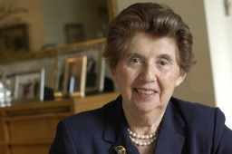 <p>Born as Regina Laks in 1929, she was raised in Starachowice, an industrial city in central Poland. Her mother, Pola Tennenblum, was an active member of the Zionist movement. Her father, Isaac Laks, was an engineer in the lumber industry. She had two older sisters.</p>
