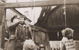 Macha Brouskine, partisane juive soviétique pendue avec deux autres partisans, Kiril Trus et Volodya Cherbateyvich.