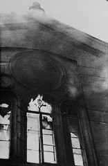 "<p>The Neue Weltgasse synagogue burns during the <a href=""/narrative/4063/en""><em>Kristallnacht</em></a> (""Night of Broken Glass"") pogrom. Vienna, Austria, November 9, 1938.</p>"