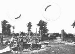 Travail forcé dans le camp de concentration de Neuengamme.