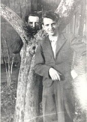 <p>Tadek Soroka (right), a Pole who helped Aron and Lisa escape from Poland. This photograph was sent to the Dermans after the war. Date and place unknown.</p>