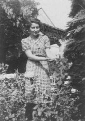 "<p>Hannah Szenes, in the garden of her Budapest home before she moved to Palestine and became a <a href=""/narrative/5666"">parachutist</a> for rescue missions. Budapest, Hungary, before 1939.</p>"