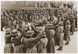 <p>In Poznan, ethnic German recruits to the German army swear allegiance to Adolf Hitler. January 1940.</p>