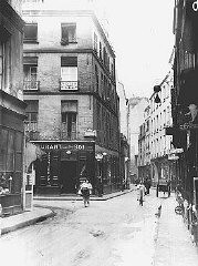 "<p>A view of Rosiers Street in the Jewish quarter of <a href=""/narrative/6033/en"">Paris</a>. This photograph was taken before <a href=""/narrative/2388/en"">World War II</a>. Paris, France, date uncertain.</p>"