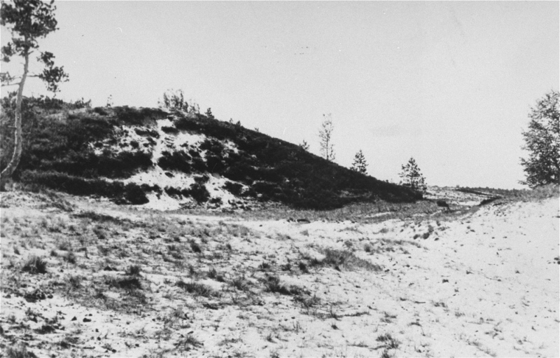 Site where members of Einsatzgruppe A (mobile killing unit A) and Estonian collaborators carried out a mass execution of Jews in ...